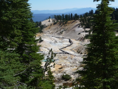 View on trail to Bumpass Hell_2