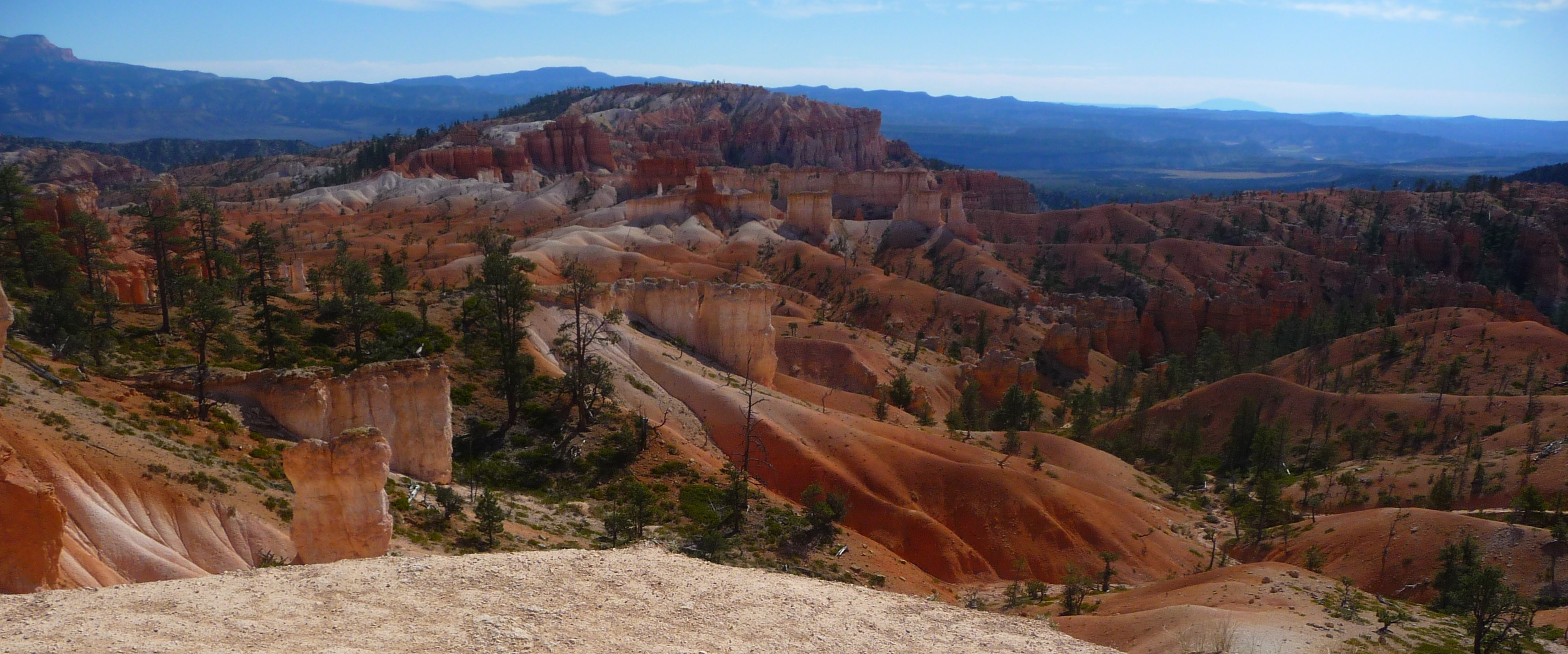 Bryce Canyon_Queen's Garden Trail_Downhill_Panorama