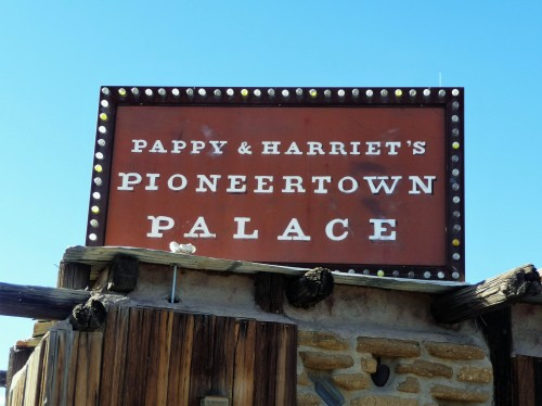 Pioneertown_Pappy & Harriet's Sign