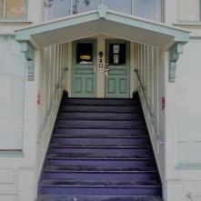 Doorway_Present