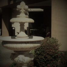 Fountain_Present