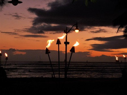 Hawaii_Tiki Torches