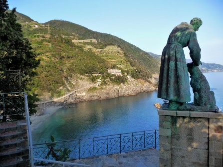 Monterosso_St. Francis Statue