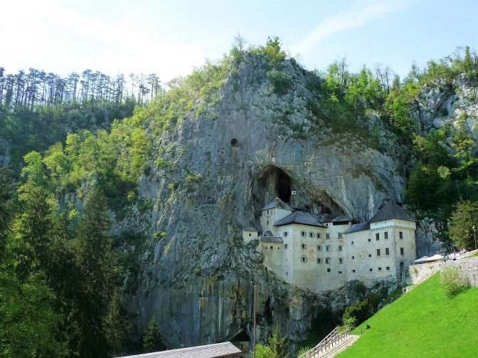 Predjama_Castle