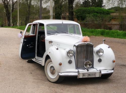 wedding-getaway-vehicle.jpg
