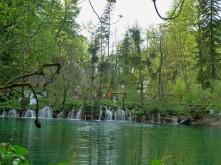 Plitvice_Lake and Tourists