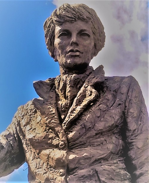 Amelia Earhart_Close Up