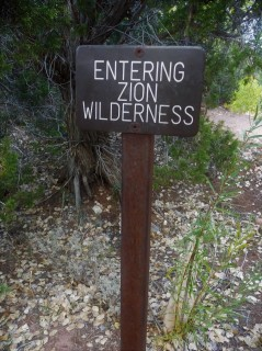 Zion_Taylor Creek Trail_Sign