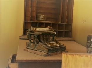 Bodie_Hotel_Typewriter