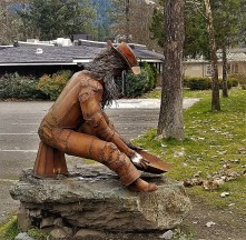 Gold Panning Statue_4